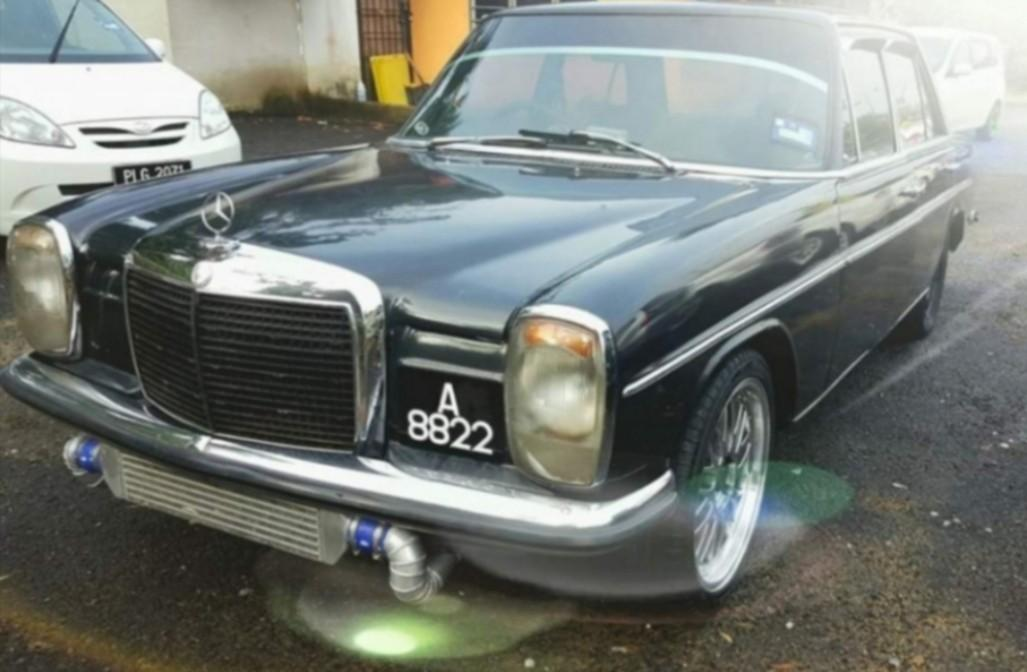 MERCEDES W114 CLASSICS NICE PLATE NUMBER SUPER RARE AND SUPER POWERFUL