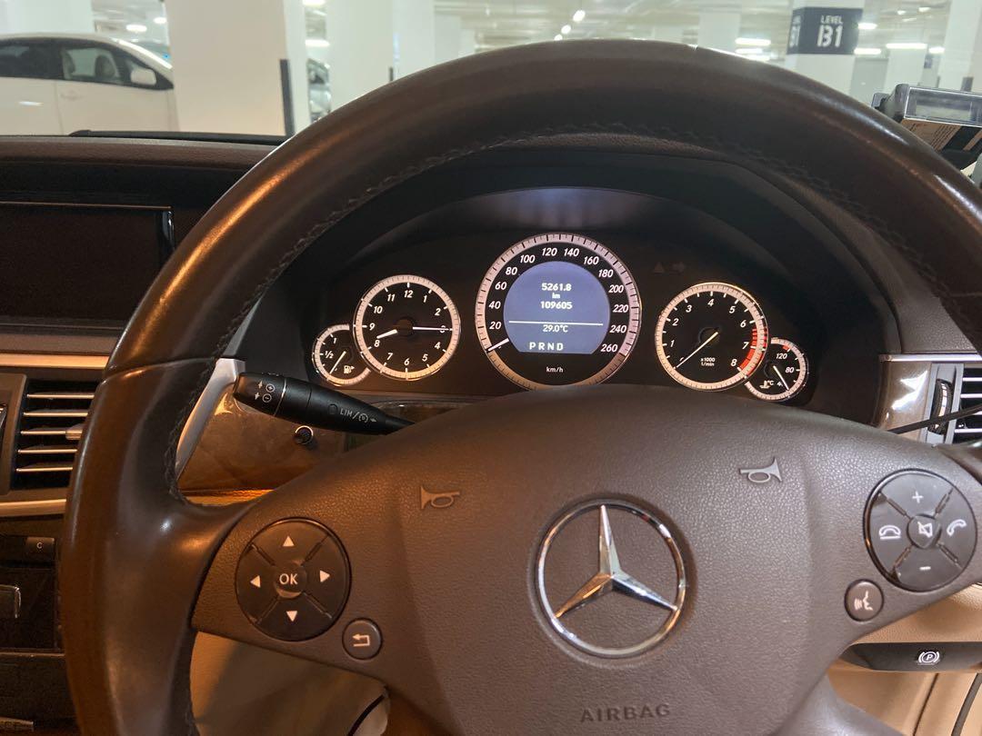 Mercedes-Benz E250 CGI BlueEfficiency Elegance (A)