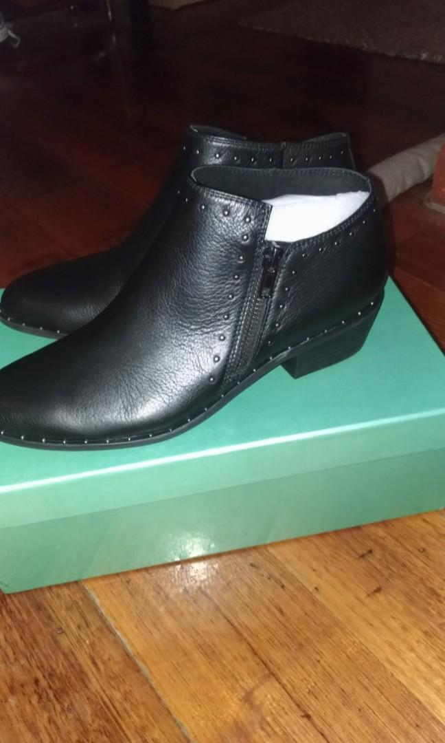 MIDAS BLACK  LUVERNES BLACK LEATHER 37  ankle boots studs cuban heels new in box