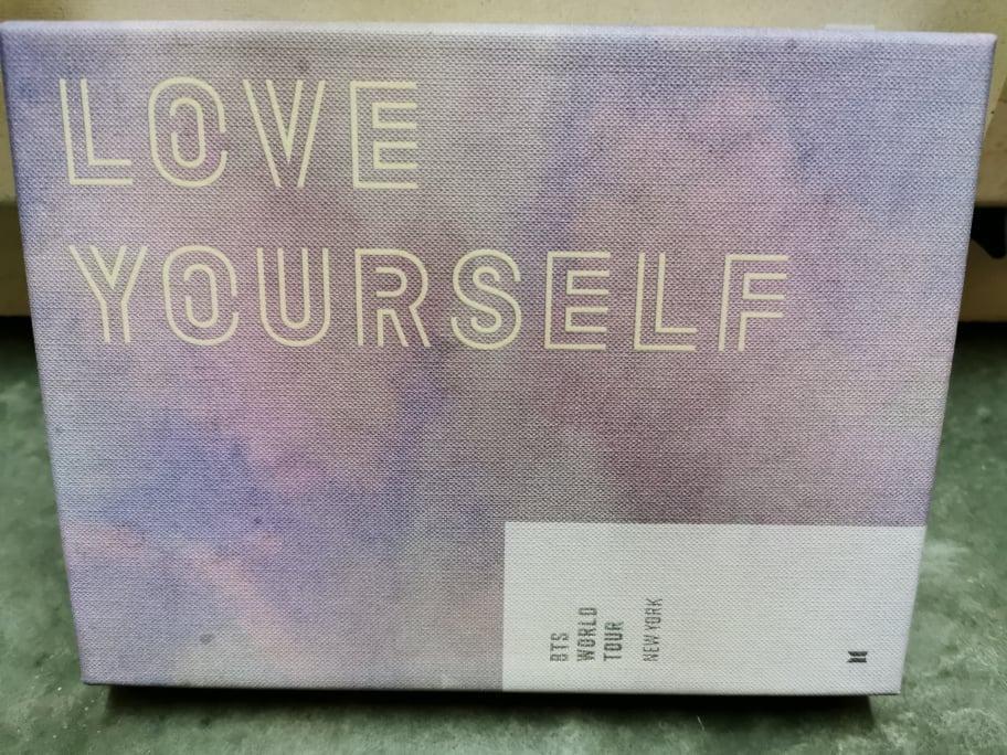 [READY STOCK] BTS WORLD TOUR 'LOVE YOURSELF' NEW YORK DVD (Jin Photocard)