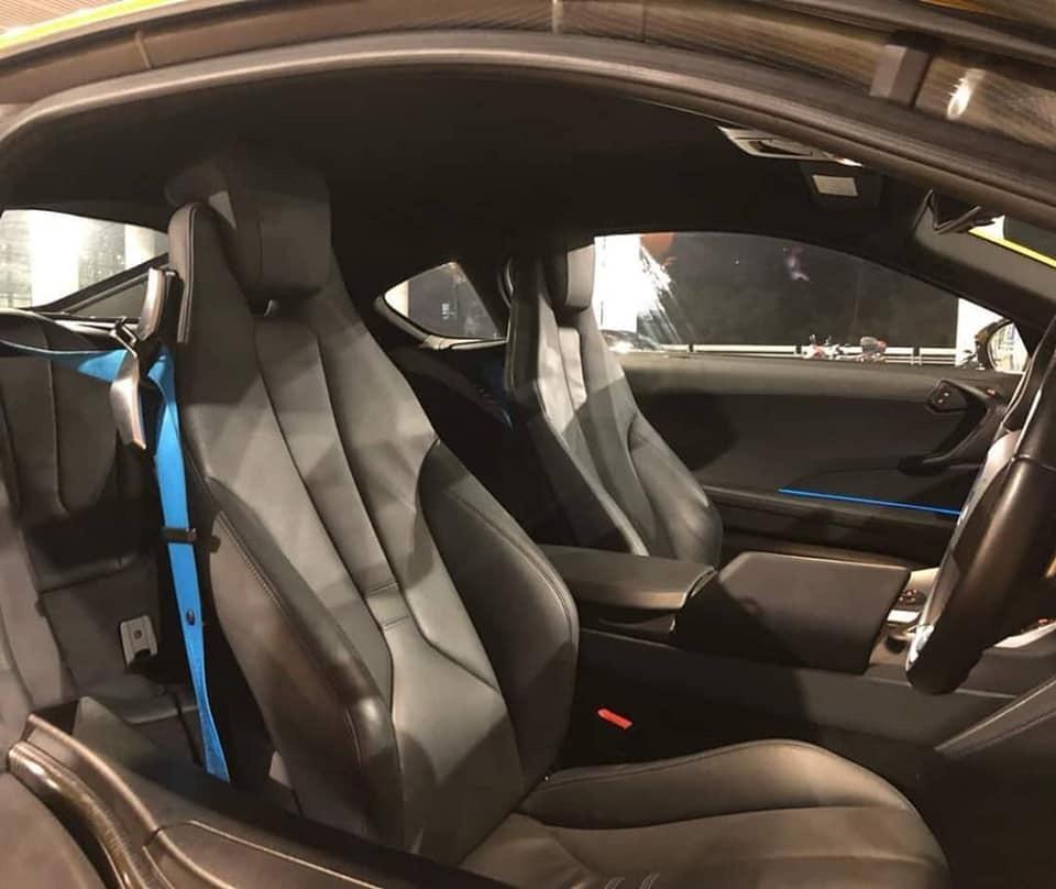 SEWA BELI>>BMW I8 1.5 HYBRID E -DRIVE xDrive AWD  1.5L Twinpower Turbo 2015/2019