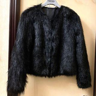 Price down🔥New Black fury jacket 全新黑色毛毛褸