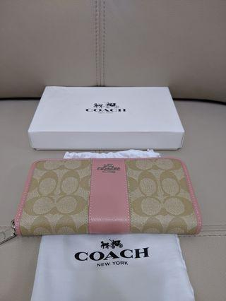 Coach 粉紅長夾