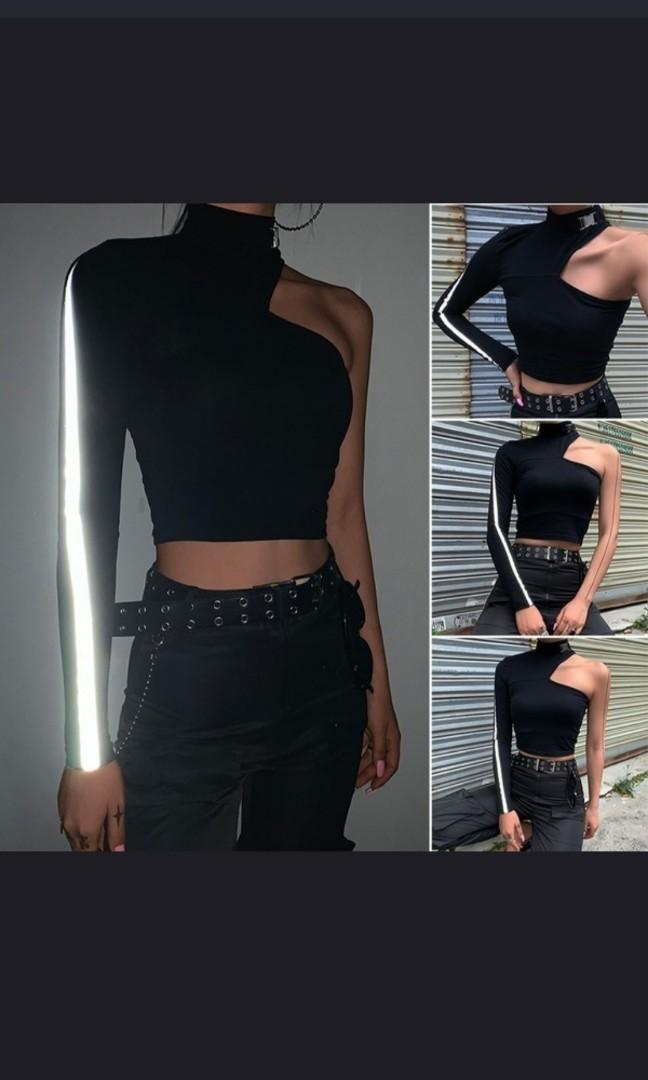 2020 one reflective sleeve Crop Top with trendy metal buckle shirt