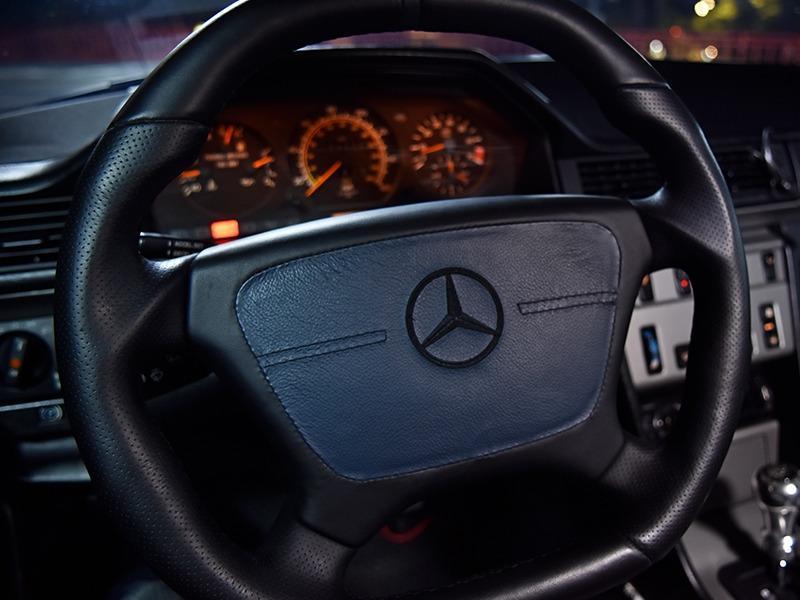 ∞94年 W124 E320i 車主寄售 經典老車魂 全車翻新完畢 底盤無異音