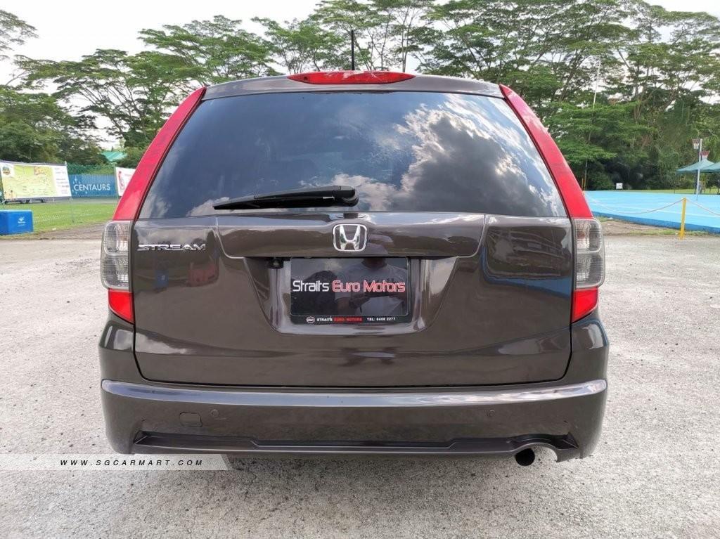 Honda Stream 1.8 T i-VTEC (A)