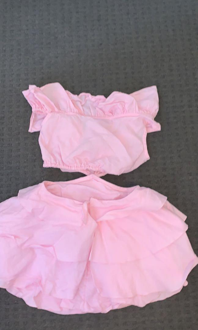 Selling Sofia the label dress in 8 fits 6-8 has a small hole but I sewed it up seen on last pic