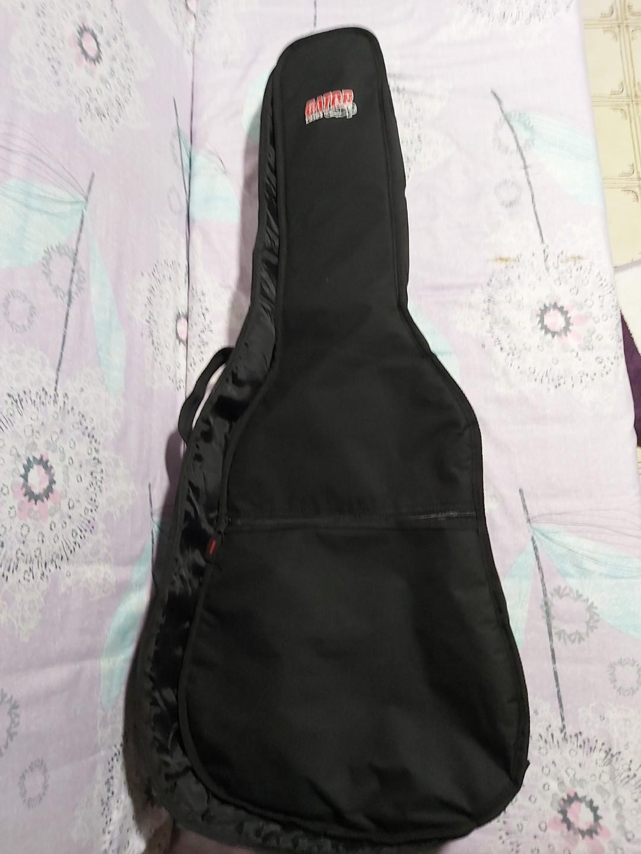 Takamine ED4DC-BLK + Gator Case gig bag