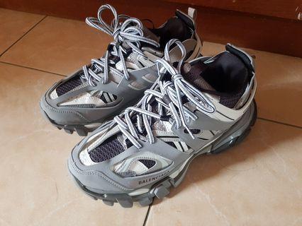 訂製版 巴黎世家BALENCIAGA TRACK 2.0灰色休閒鞋 (EUR38)