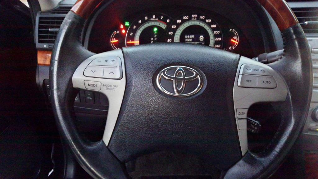2006年 2.0 黑色 CAMRY 原廠保養 實跑14.8萬公里 HID ABS 定速 電動座椅 尋跡防滑 雙安 電動收摺後照鏡 方向盤快撥控制鍵 MP3音響 胎壓偵測