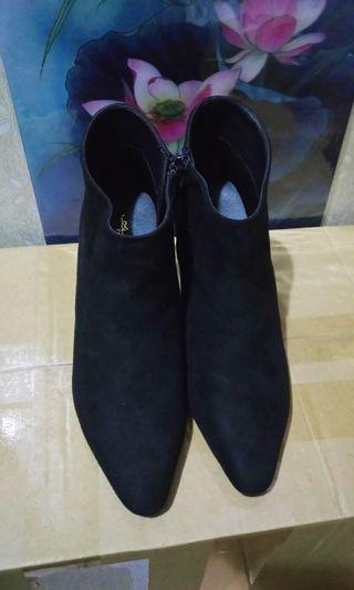 🏇專櫃 AIR SPACE 品牌黑色粗跟靴
