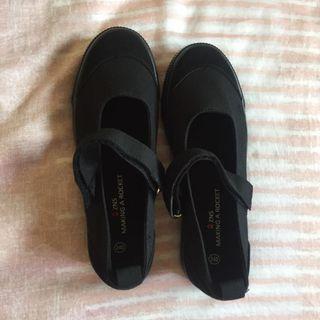 全新黑色娃娃鞋
