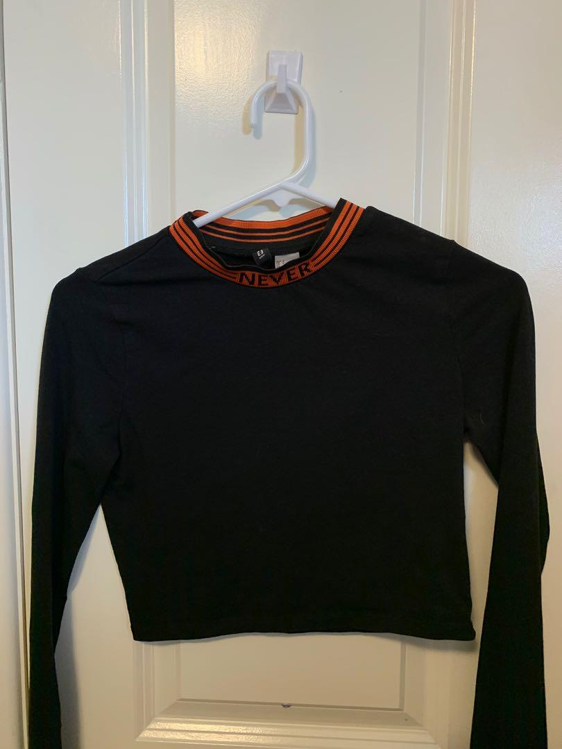 BLACK AND ORANGE CROP TOP