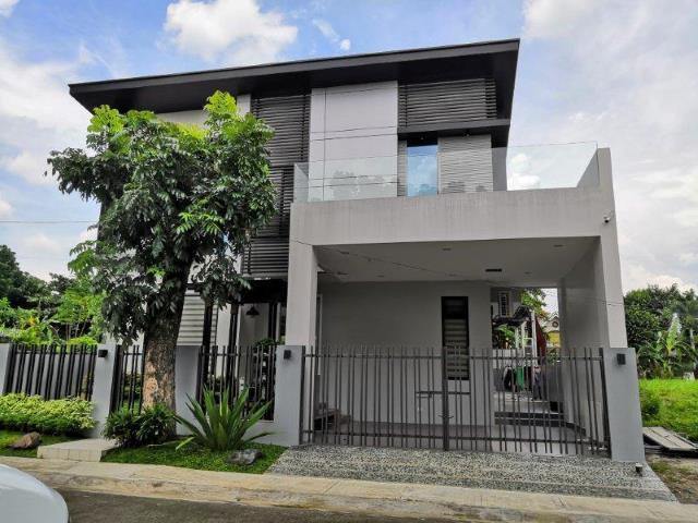 House and Lot in Casa Milan Fairview Quezon City near Commonwealth Bat
