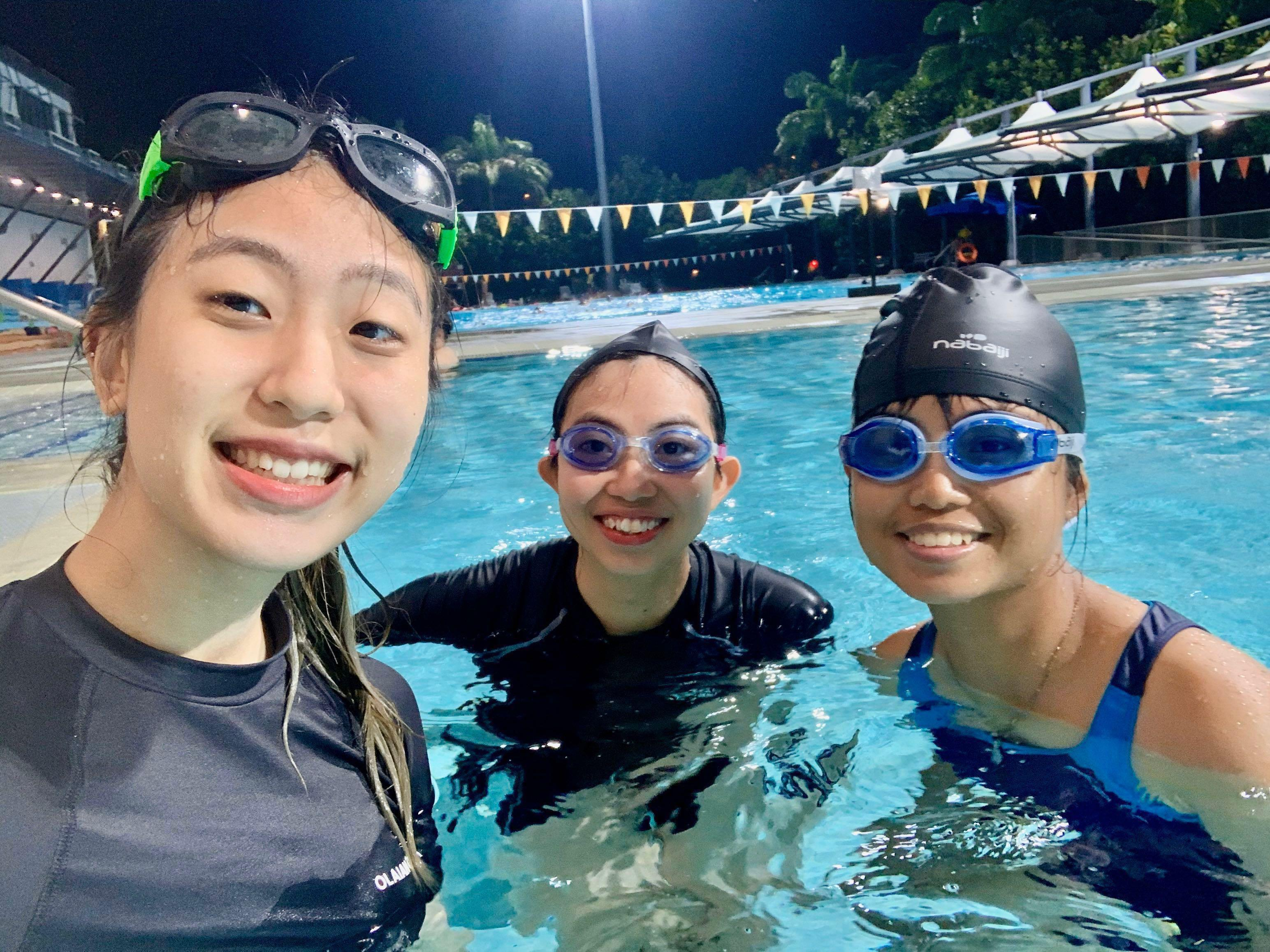 Kids/Adults Swimming Lessons Private 1-1/group (STA/Swimsafer cert) Female/Male swim coach instructor