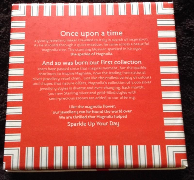 Magnolia / Jewelery Gift Box Set /Necklace, Bracelet & Earrimgs / Brand New In Box!
