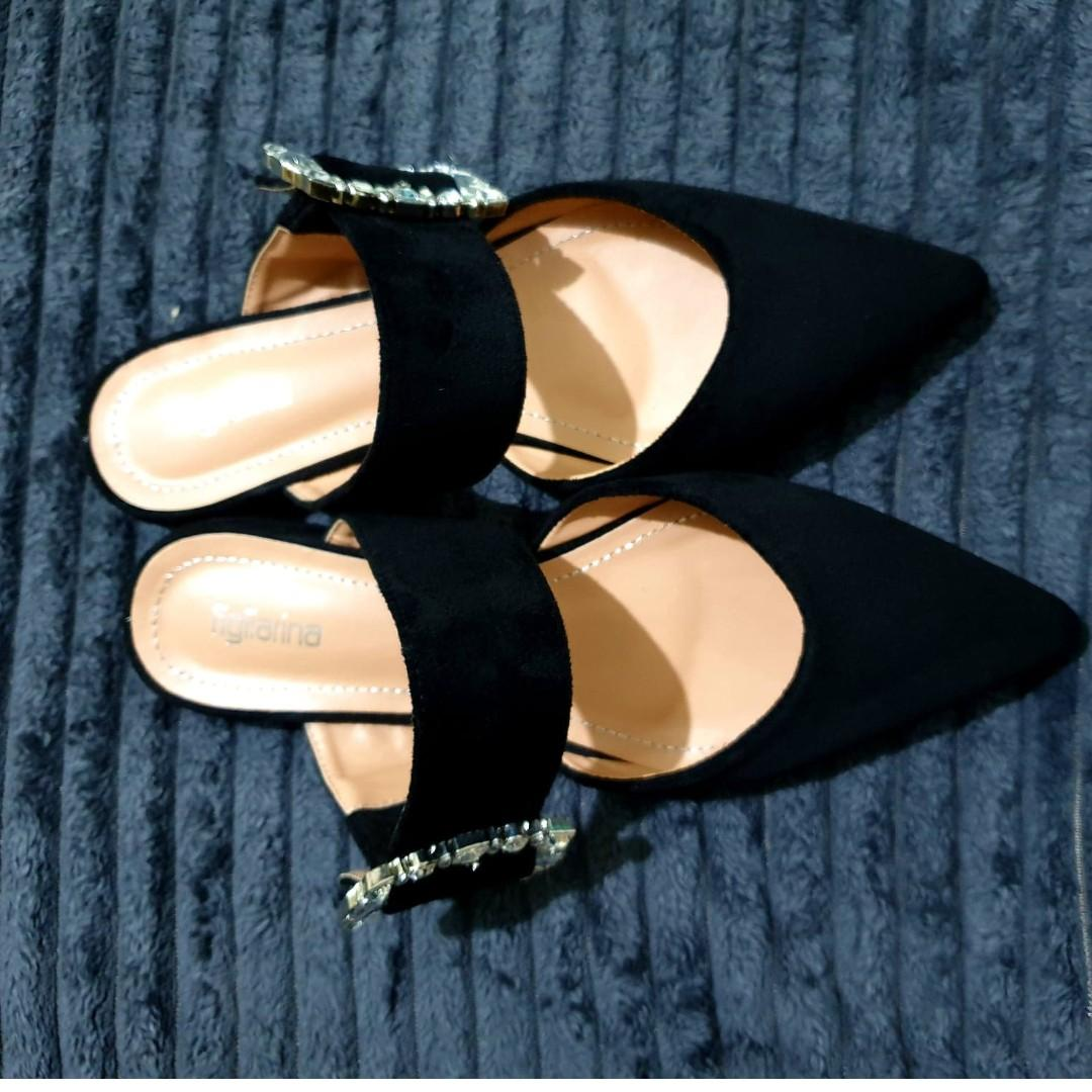 Pointed Mules