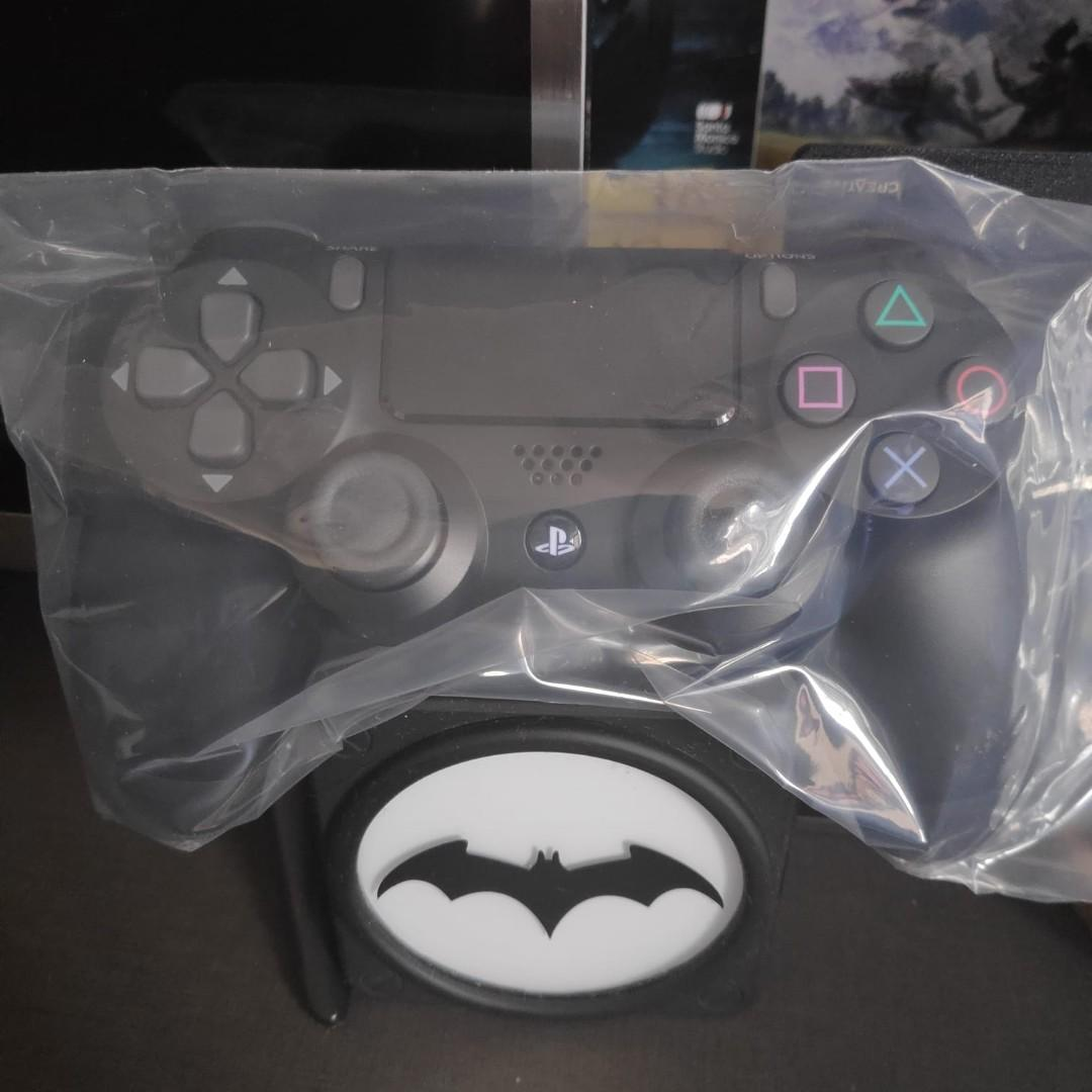 PS4 Controller V2 (BRAND NEW)