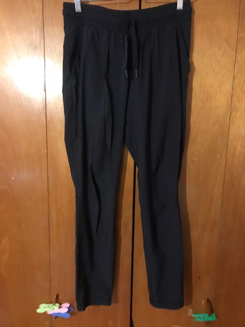 Lululemon loose airy pants with cuffed bottom - size 6