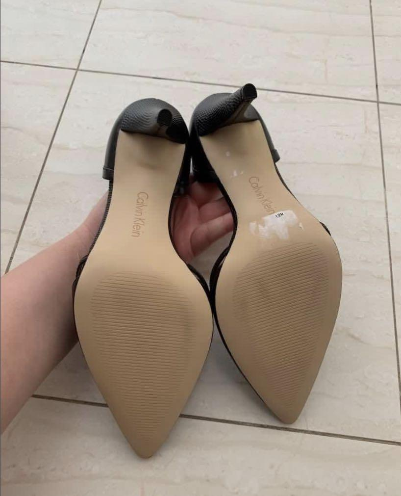 Size 7/38EU Calvin Klein Kid Leather Pointed Toe Pumps -Black