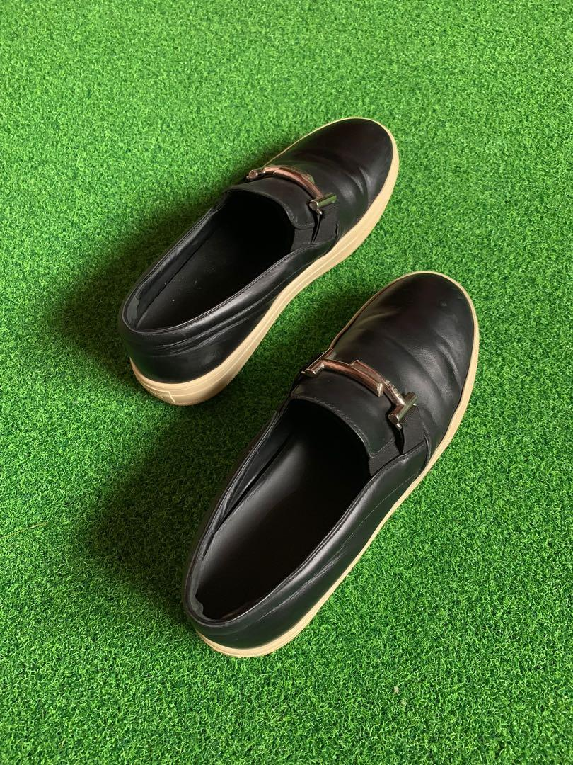 Tods slip on loafers