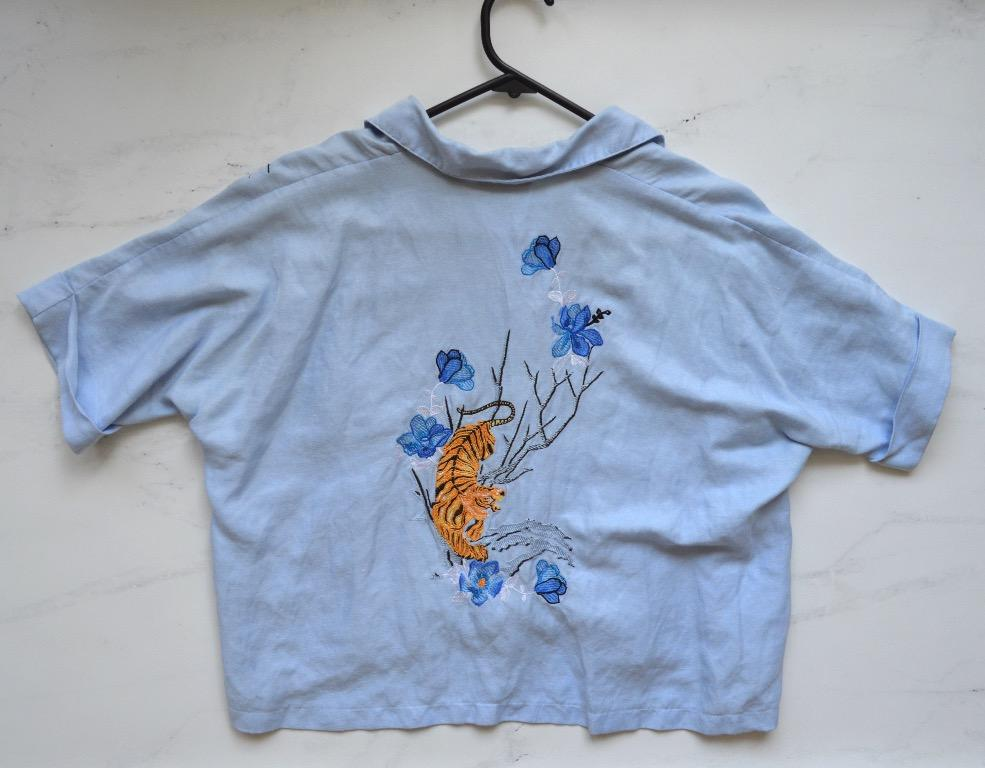 Top Shop - blue linen-blend embroidered cropped button-up shirt - size 6