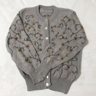 淺灰色花卉刺繡古著針織開衫外套