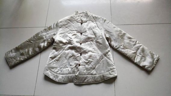 聖誕歲末暖心價,100%絹(100%silk), 只要NT$180!! (肩/shoulder41cm,袖/sleeve 56cm)