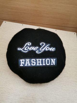 黑色羊絨帽子