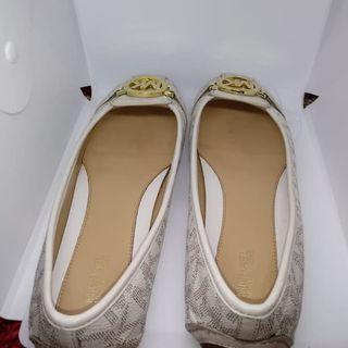 Sepatu michael kors fulton