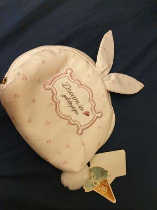 pique正品可愛兔兔化妝包。內衣包