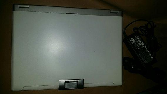 ASUS W5000f  筆電   xcpu T5500  雙核心