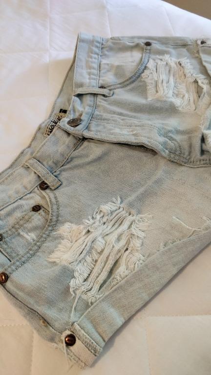 CITYBEACH Denim Short Shorts Light Blue Bleach Distressed Acid Stone Wash