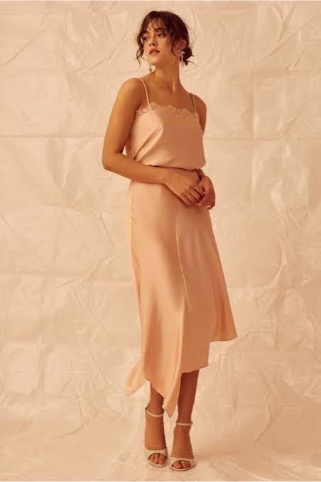 Finders keepers top & skirt set nude pink size 8 (skirt is brand new with tags)