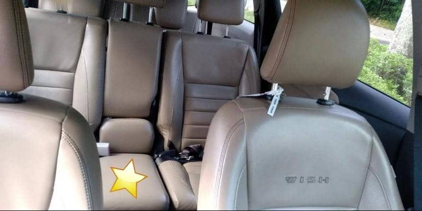 TOYOTA WISH(SG CAR COMPLETE DOCUMENT SELAMAT DI ATAS JALAN RAYA MALAYSIA)