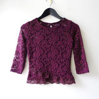 西班牙品牌Bershka紫色酒紅暗紅色圓領彈性蕾絲造型七分袖上衣XS號