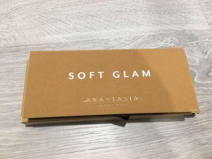 Anastasia 眼影盤#Soft Glam