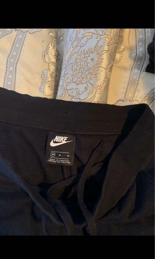 Nike womens black fleece tracksuit pants (trackies)