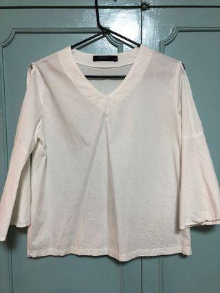 White top/blouse