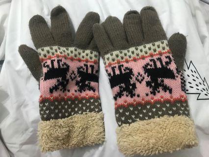 棕色圖騰保暖手套