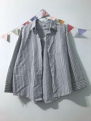 灰白直條紋襯衫