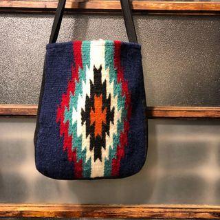 🌴Chimayo復古手織印地安民族圖騰羊毛毯 深藍色 側背包 厚磅 男女皆可Vintage
