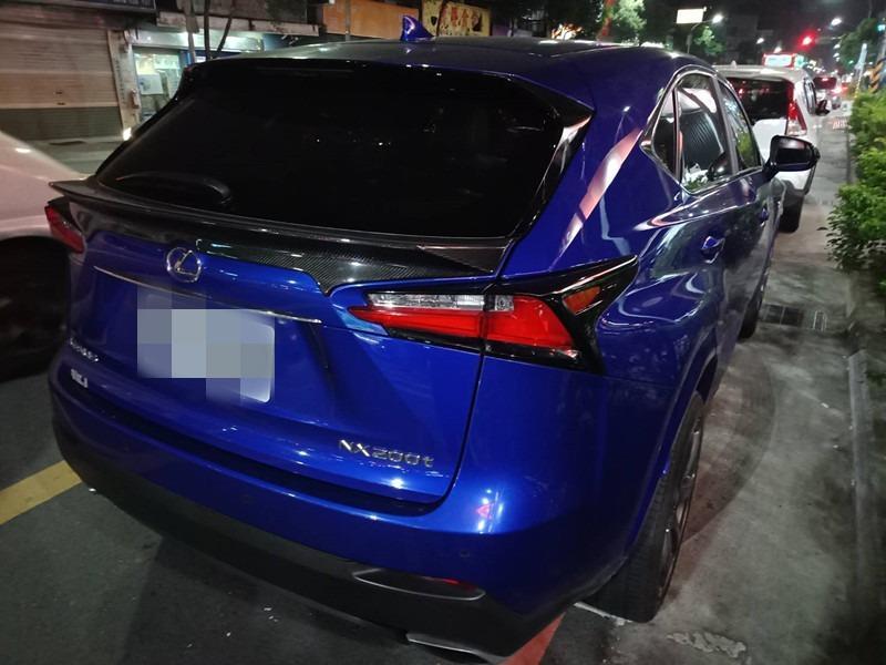 2015     NX200T     藍