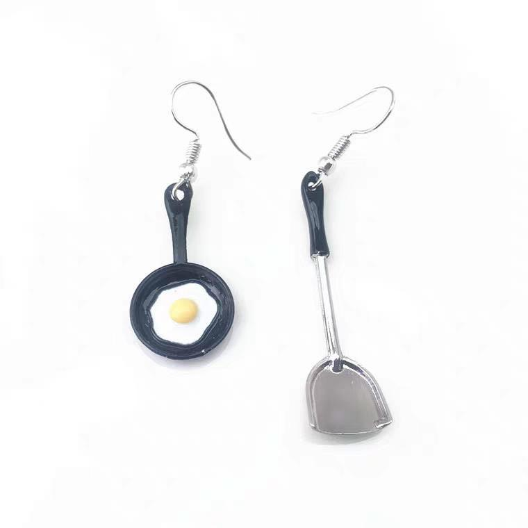 #254 Cute mini- pan with fried egg and spatula earrings