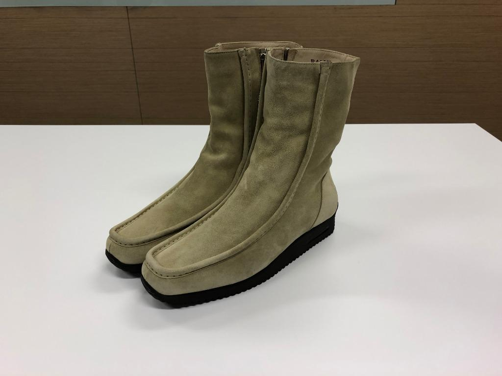 BALLY Dezza Beige Suede Boots Side Zipper Low Wedge Women Italy Size 39.5 (NEW)