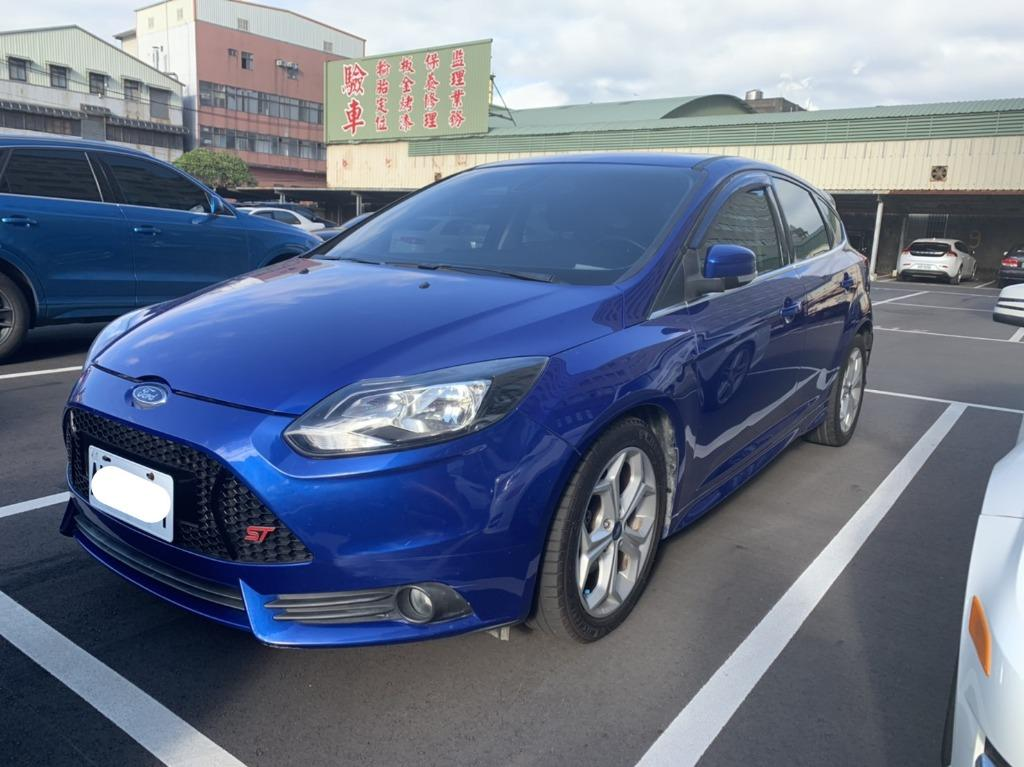 【FB搜尋桃園阿承】福特 超人氣FOCUS跑9萬 2013年 2.0 藍色 二手車 中古車