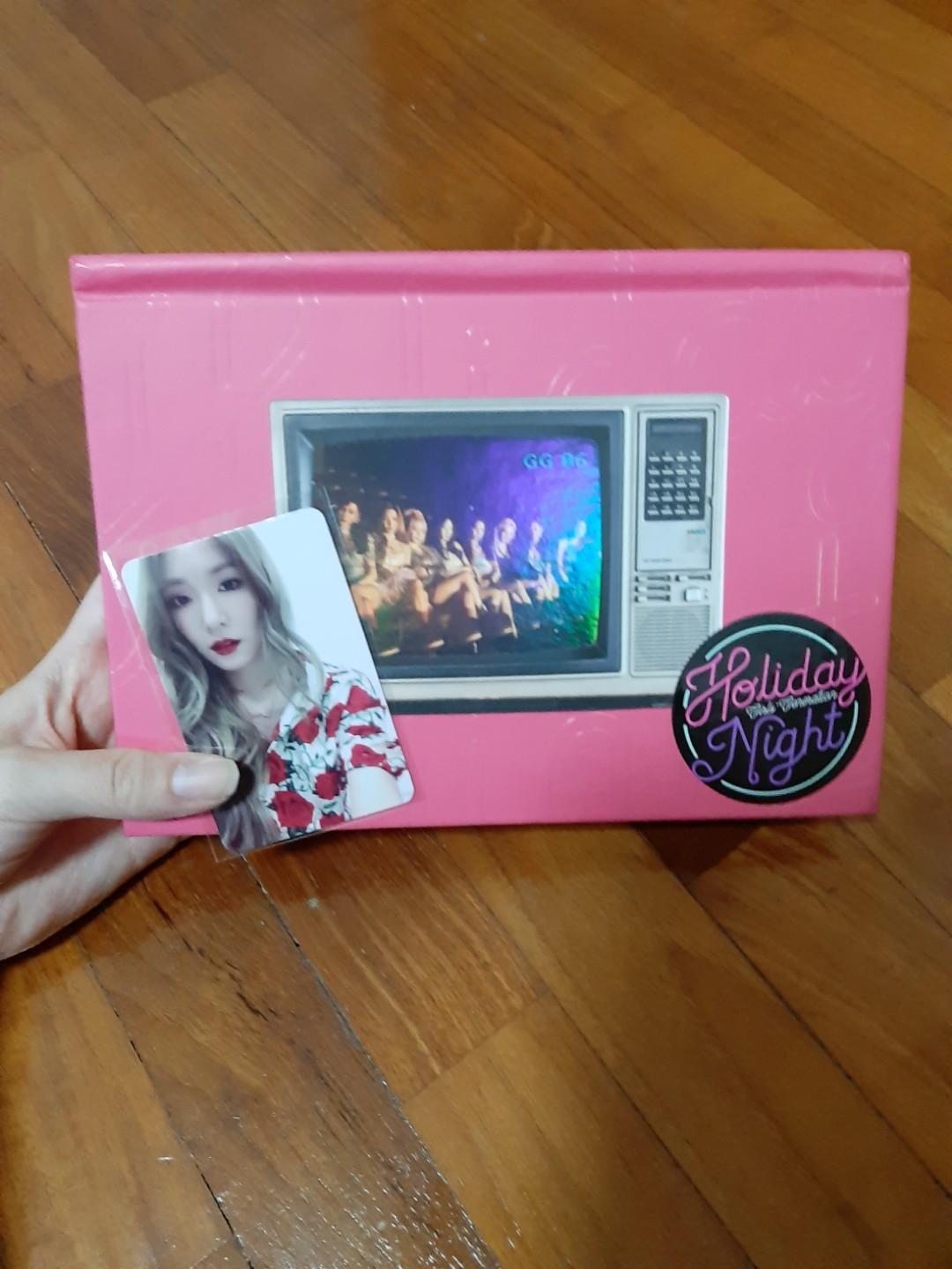 [WTS] SNSD Holiday Night Album with Tiffany Photocard