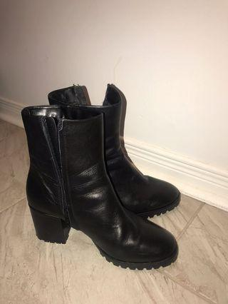 ALDO Leather Boots: 38.5 size 8