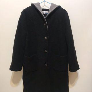 黑色滾灰邊毛呢保暖大衣