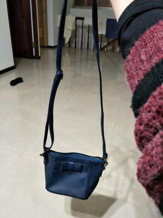 近新深藍小包